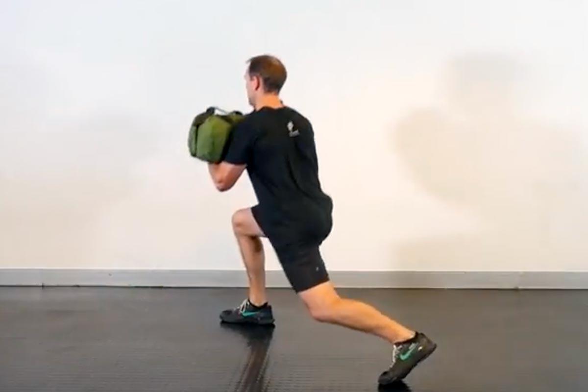 Sandbag 360 degree lunges